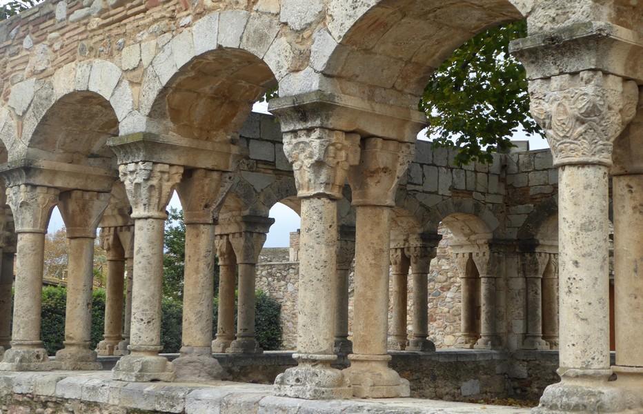 A Peralada, le cloître de l'ancien couvent de Sant Domènec. Copyright C.Gary