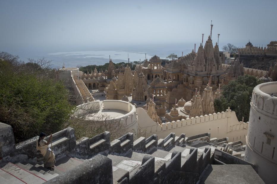 Palitana Au sommet des 3900 marches, les temples jaïns de Palitana         ©Fabrice Dimier