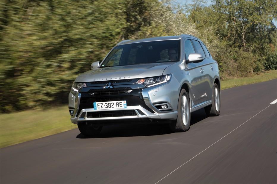 La nouvelle Mitsubishi Outlander PHEV a des performances naturellement accrues mais surtout un confort de conduite appréciable, sur route comme en ville. @ DR