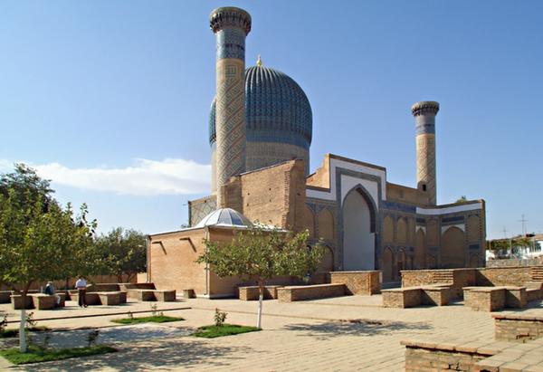 Le mausolée de Gour Emir (« le tombeau du souverain ») est édifié par Tamerlan en 1404 après la mort de l'un de ses petits-fils.@ Wiggum/Wikimedia