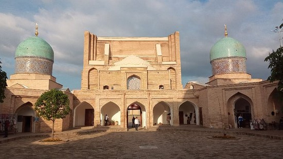 Ensemble architectural Khasti Imam; @ Pixabay