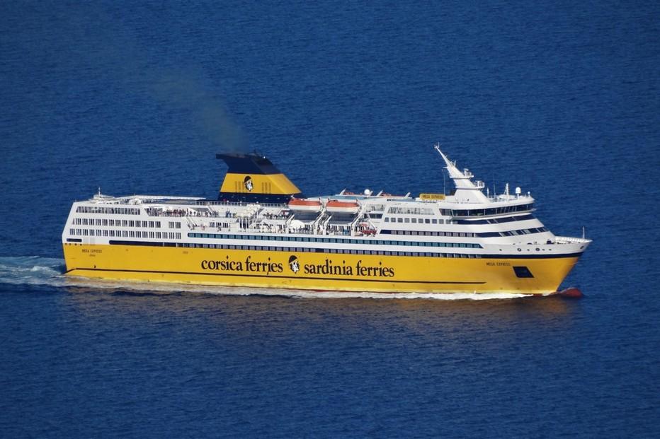 L'un des fleurons de la flotte le Maga Express. Crédit photo Corsica Ferries D.R.