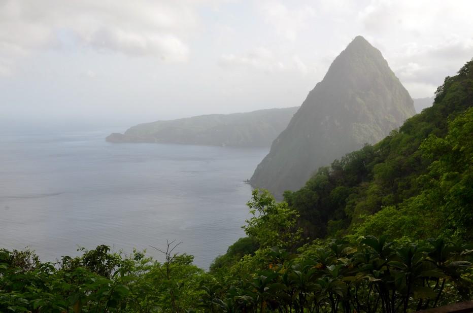 le Petit Piton et le Gros Piton sont inscrits au patrimoine mondial de l'humanité par l'Unesco depuis 2004.. @ David Raynal