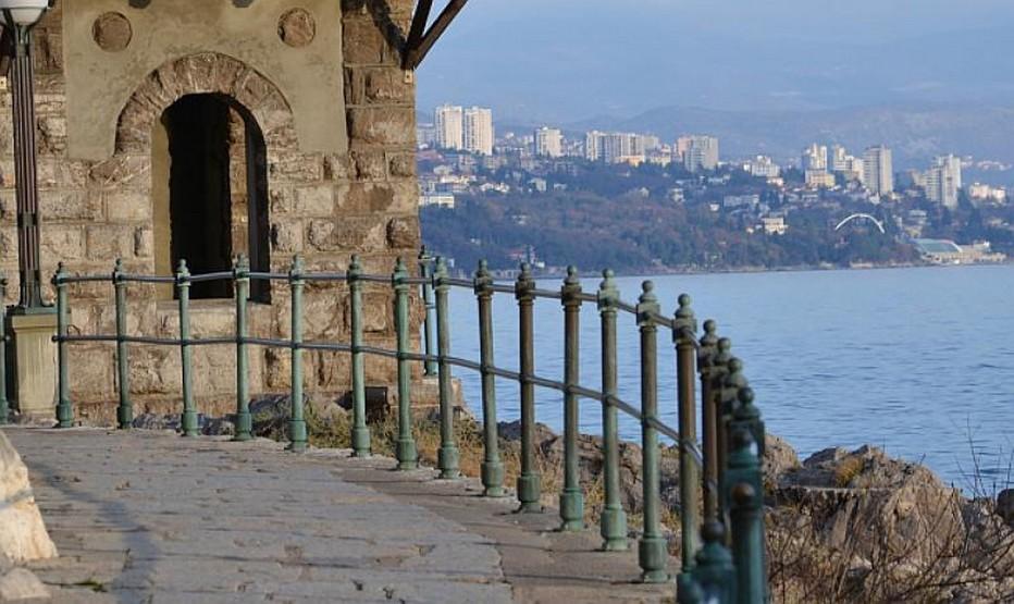 """"""" Rijeka - Port de diversité, thématise à la fois l'histoire et le patrimoine de la ville ainsi que son actualité. Grâce au programme culturel et artistique très complet prévu pour 2020,"""" explique  Danijela Mihalić Đurica, directrice de l'office national du tourisme croate lors de la conférence de presse à Paris. @ Pixabay/Lindigomag"""