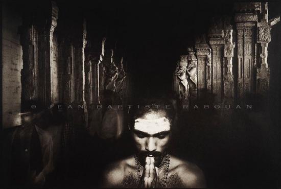 Gomme bichromatée sur papier - Les chemins du Dieu Shiva - Madurai/Tamil Nadu/Inde - © JB Rabouan