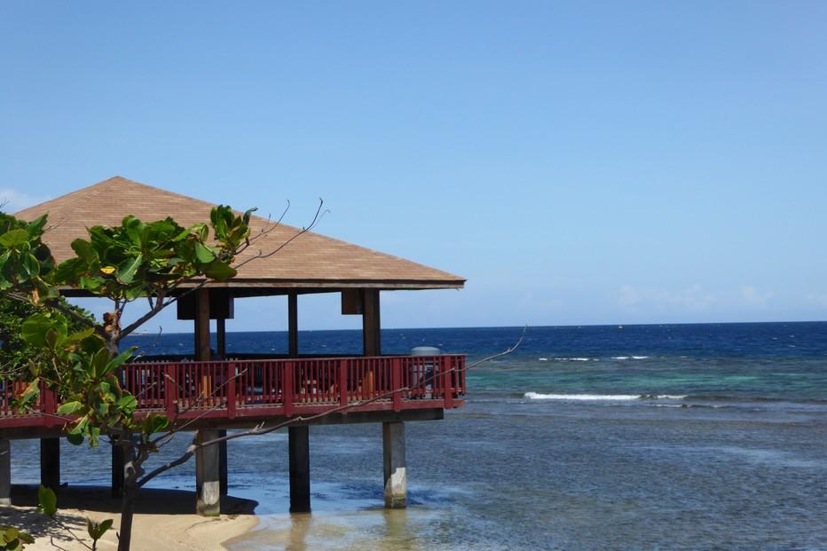 Roatan La côte Caraïbe et ses maisons sur pilotis @ C.G.