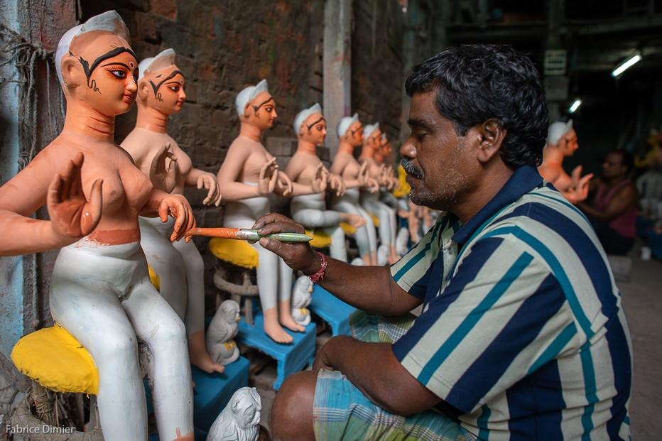 Dans le quartier Kumartuli les artisans préparent les effigies @ Fabrice Dimier