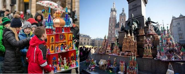 Les crèches de Cracovie reflètent toujours l'architecture de la ville. Elles se distinguent par par des petites tours, des balustrades, des corniches, des colonnes, des encorbellements, des imitations de vitraux. Elles sont construites sur des squelettes de planchettes, contre-plaqué, de carton et de paier maché et sont recouvertes de papier irisé. - © Urzad Miasta Krakowa - D.R.