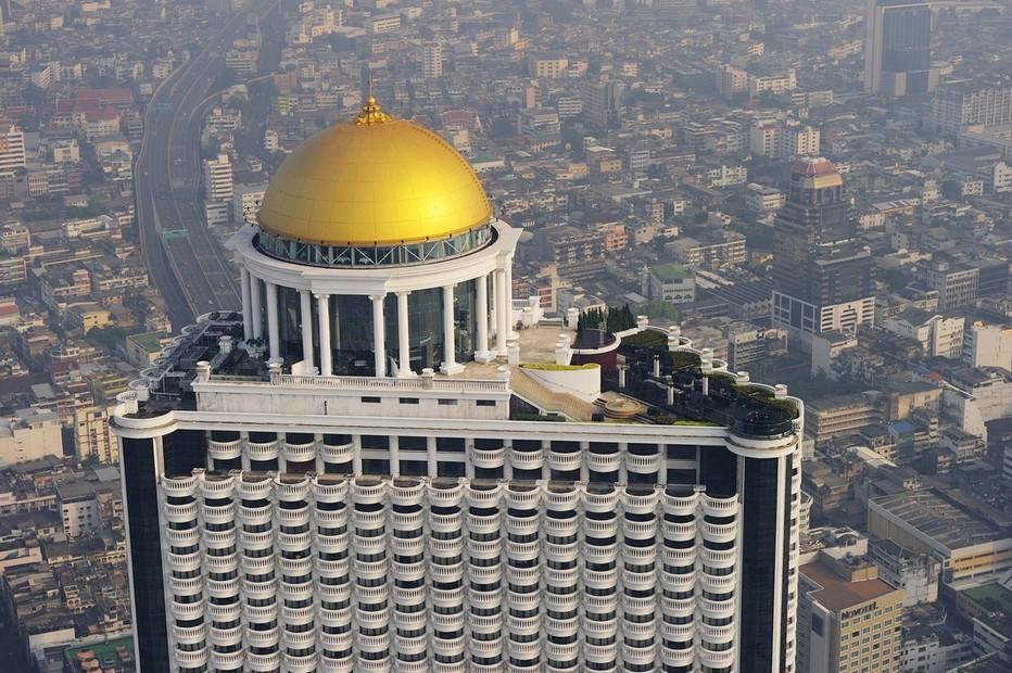 Hôtel Lebua At State Tower - La première et seule destination verticale du monde    Situé à proximité des temples et monuments les plus célèbres de la ville, le 5* Lebua At State Tower,@ FS