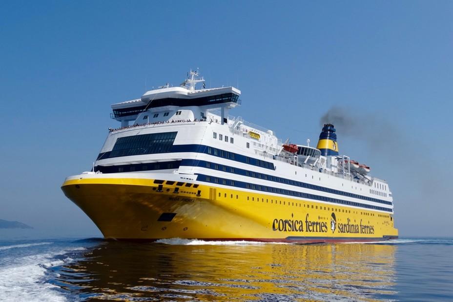 En cette période de crise, Corsica Ferries maintient une activité pour approvisionner la Corse. @ DR