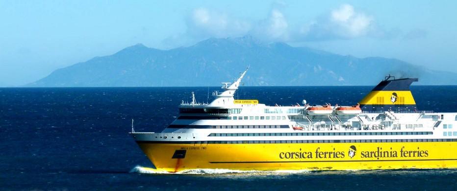 En cette période d'urgence sanitaire, la compagnie Corsica Ferries  a fait le choix de maintenir une activité minimale pour maintenir l'approvisionnement de l'île et rester au service de la sécurité intérieure et de la sécurité civile.  @ DR