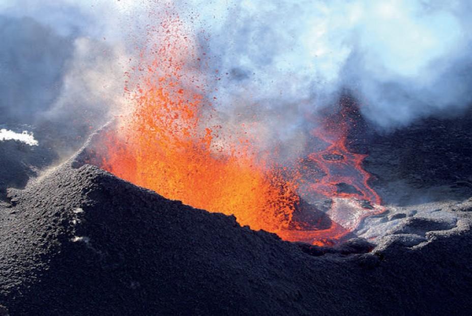 Volcan de la Fournaise en éruption à 'ïle de la Réunion... @ www.réunion.fr