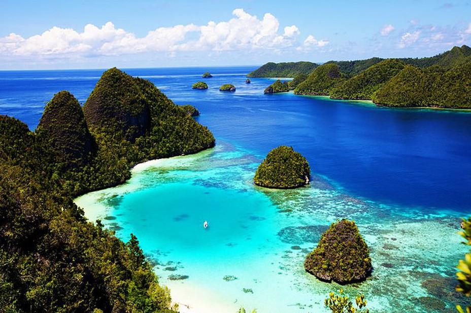 Plus de 17.000 îles se situent sur l'ensemble de l'Indonésie... @ OT Wonderfull-Indonesia