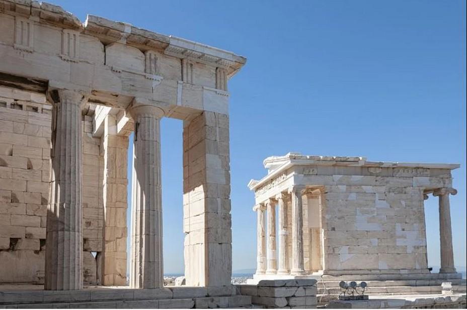 Athènes ....@ Pixabay/Lindgomag