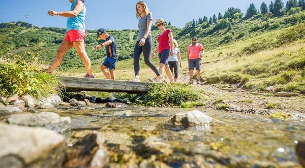 Pour la saison estivale le  Carroz-Challenge - randonnée en famille. @ OT des Carroz.
