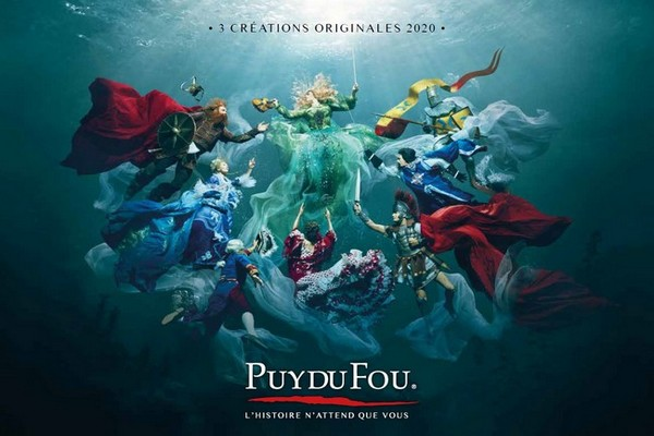 Couverture du catalogue des spectacles du Puy du Fou 2020. @ DR