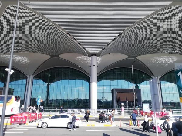 Entrée du nouvel aéroport international d'Istanbul. Crédit photo David Raynal.
