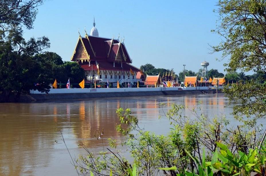 La ville d'Ayutthaya construite au bord de l'eau,   au croisement de trois rivières, Mae Nam Lopburi, Pasak et Chao Phraya,@ David Raynal