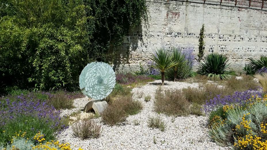 Jardin du silence au Monastère du Carmel ©OTAH