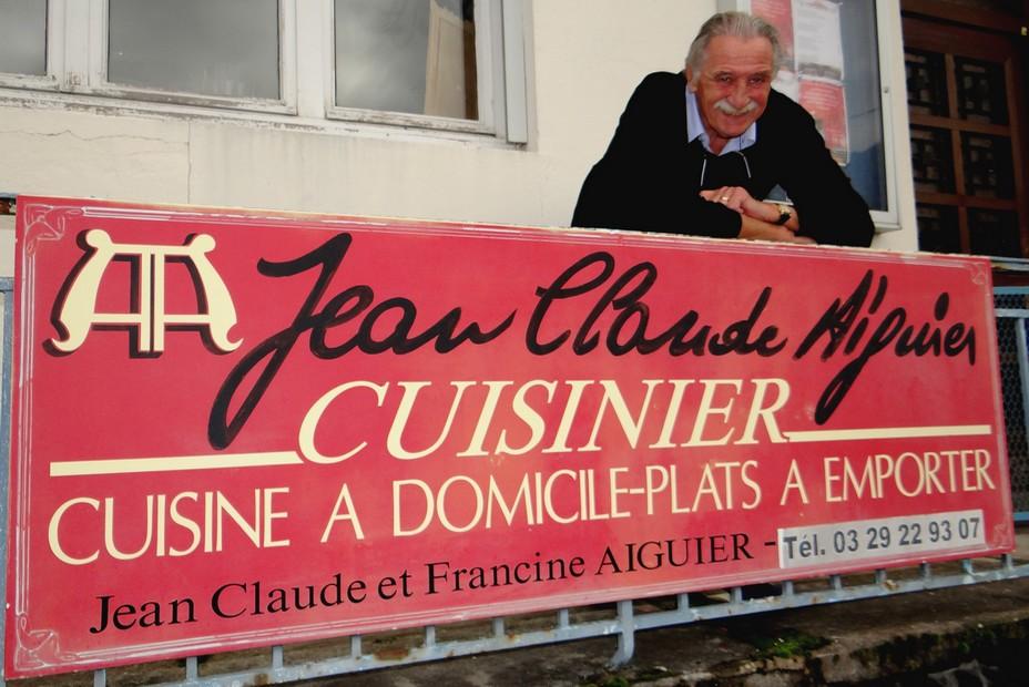 Le temps n'a pas d'emprise sur Jean-Claude Aiguier qui poursuit sa passion culinaire comme chef à domicile. ©Bertrand Munier