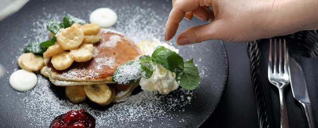 A l'Alpen Lodge, restaurant bistronomique « Brenva » propose en circuit court de la charcuterie, des vins, des fromages frais, et même de la farine, venus d'Italie© MGM