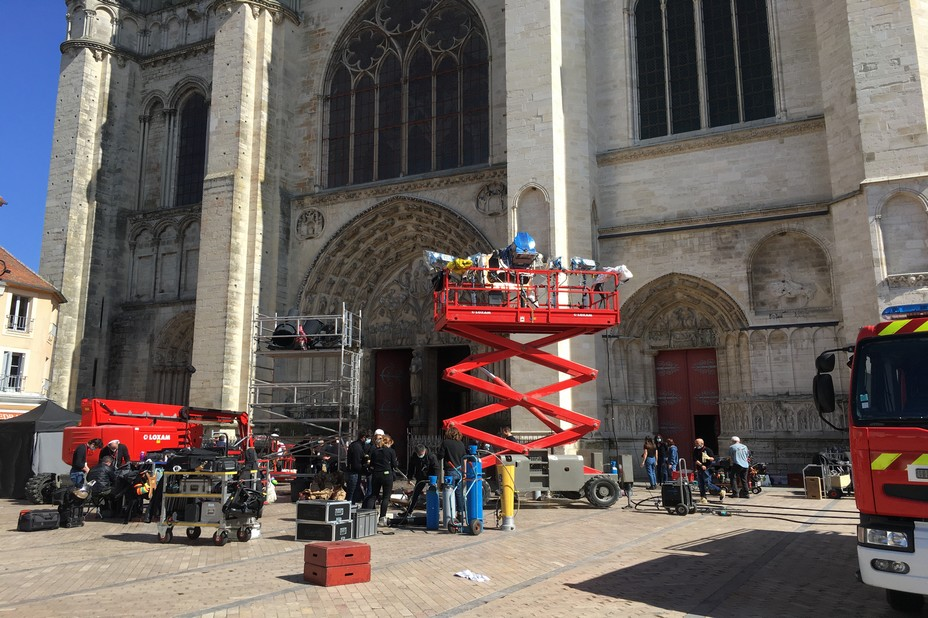 """Tournage à Sens  """"Notre-Dame brûle"""" de Jean Jacques Annaud  @Ville de Sens"""