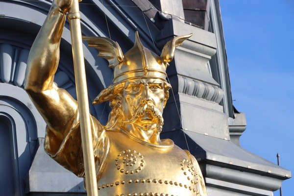 Statue de Brennus Hôtel de Ville©  OT Sens et Sénonais