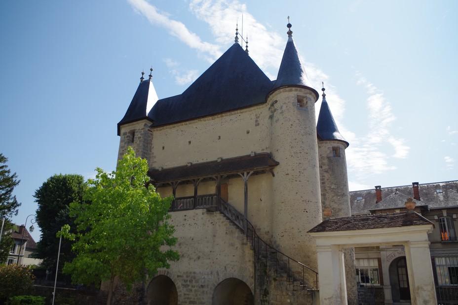 Porte de Sens à Villeneuve-sur-Yonne©Adeline Gauthier