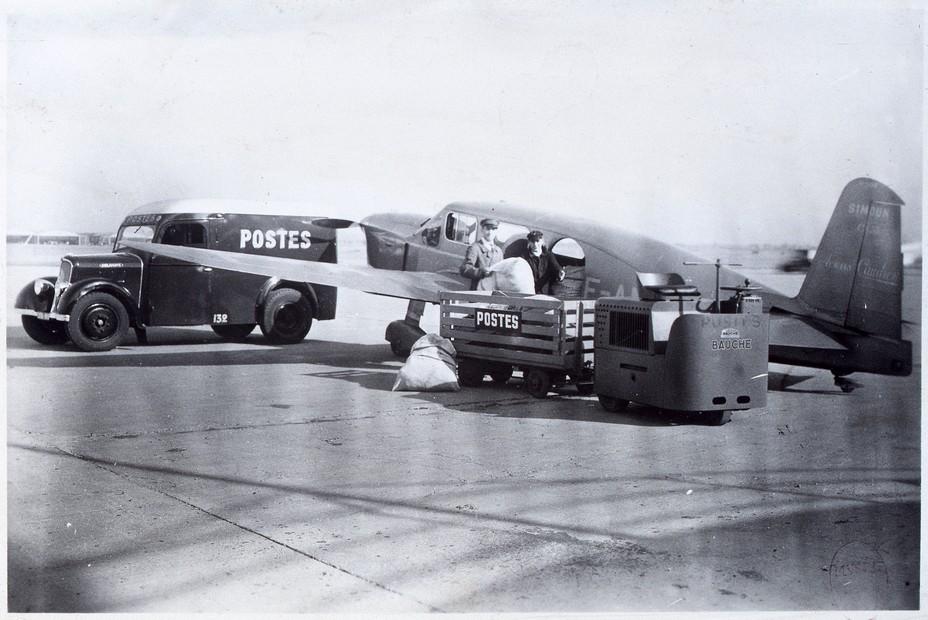 La Poste et Antoine de Saint-Exupéry sont étroitement liés. L'écrivain, qui fut aussi l'un des pionniers de l'aviation, a occupé différents postes au sein de la compagnie Aéropostale Latécoère. D.R.
