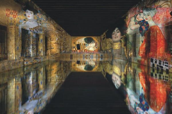 Les bassins de Lumière. Expo Klimt  @ ANAKA, Culturespaces