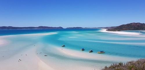 Îles Whitsunday - L'île qui donne librement accès à la plus grande barrière de corail australienne s'avère être le paradis des plongeurs. @ Pixabay/Lindigomag