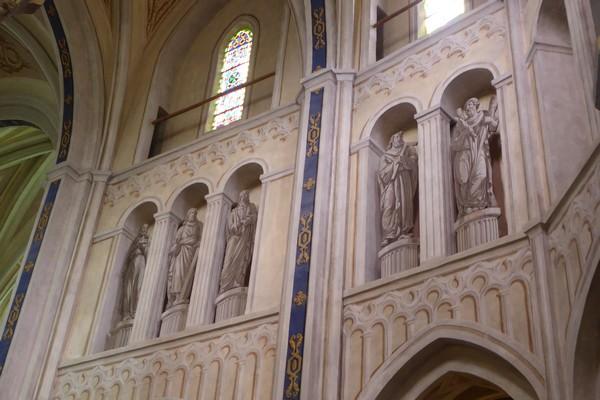 Les statiues en trompe l'œil de la nef de l'abbaye d'Abondance. @C.Gary