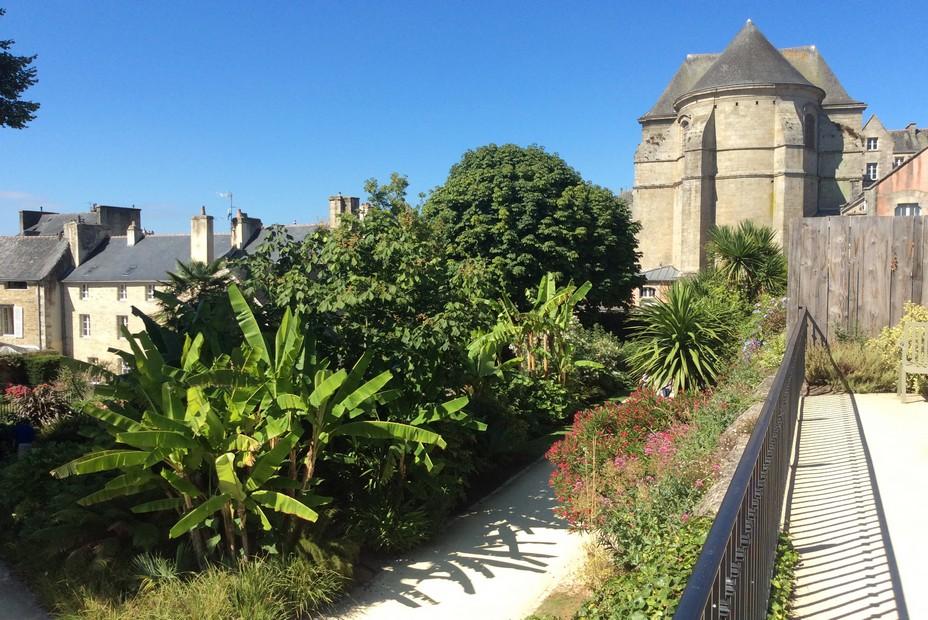 Quimper jardin exotique de la Retraite non loin de la cathédrale   ©Office de Tourisme Quimper Cornouaille