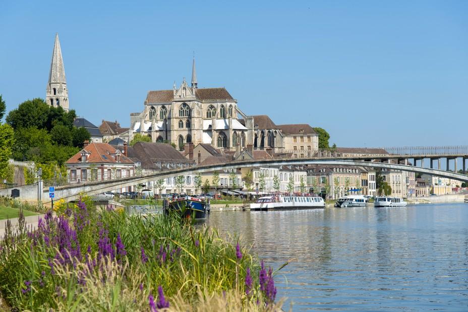 Auxerre. Vue de l'Yonne @ Alain Doire  Bourgogne-Franche-Comte Tourisme-