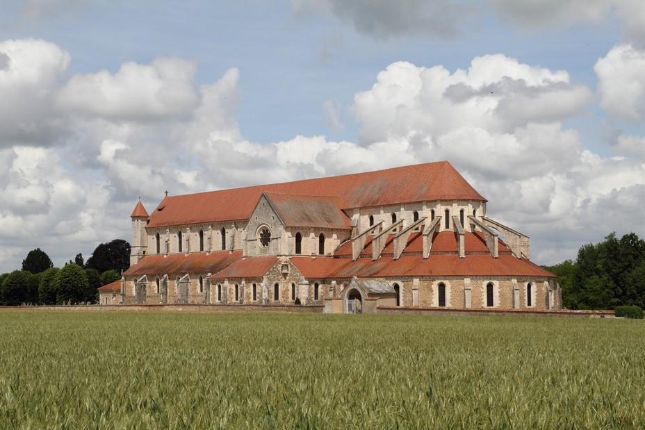 Abbaye de Pontigny en Chablisien  @Claude Blot