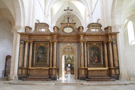 Abbaye de Pontigny en Chablisien@ Claude Blot