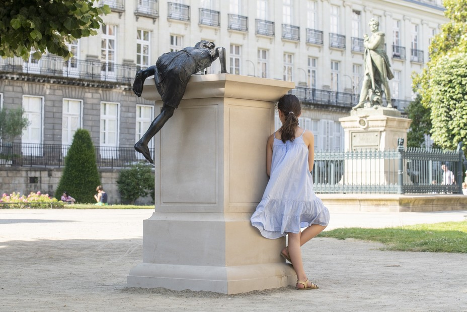 Eloge de la Transgression de Philippe Ramette cours Cambronne MARG