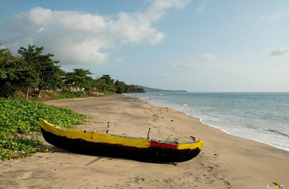 Magnifique plage bordée de végétation à Mayotte. @ CDT Mayotte