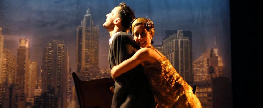Sara Giraudeau et  Julien Boisselier dans Scott et Zelda au Théâtre de la Bruyère à Paris (Crédit Photo theatral.mag.com)