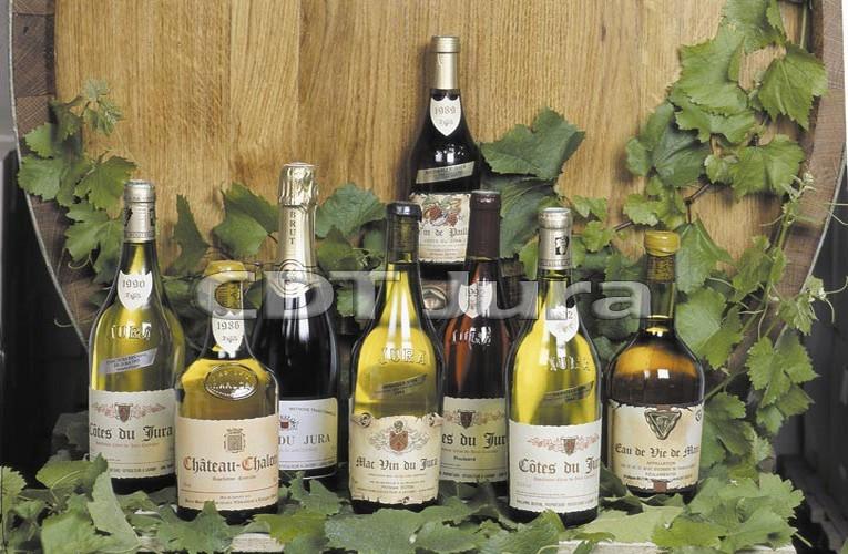 Au cours de l'histoire, le vin jaune remporta les faveurs de la cour de France de Louis XI, François 1er, Henri IV, jusqu'à la cour de Russie.(Crédit Photo D.R.)