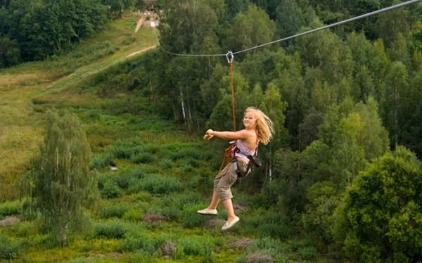 Otepää est un lieu idéal pour s'adonner en hiver au cross-country sur des voies balisées, et en été à la randonnée, au vélo, à l'escalade ou encore à la natation.(Crédit photo OT d 'Estonie)