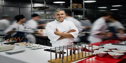 Le chef Nandu Jubany, référence de la gastronomie catalane et récompensé d'une étoile Michelin, dirige les cuisines en tant que conseiller gastronomique (Photos D.R.)