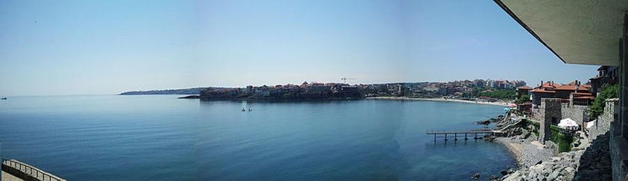 Les rives de la mer Noire, très prisées à l'époque communiste, sont devenues des lieux de villégiature estivale aux ambiances contrastées, entre plages bondées et villages de pêcheurs au charme intact.(Crédit Photo DR)