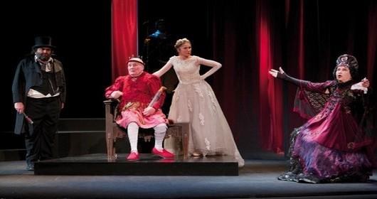"""Une scène du """"roi se meurt"""" actuellement au Théâtre Hébertot (Crédit photo Lot)"""