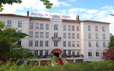 L'Hôtel d'Angleterre et son restaurant Les Bons Vivants à Vittel dans les Vosges. (Crédit photo Bertrand Munier)