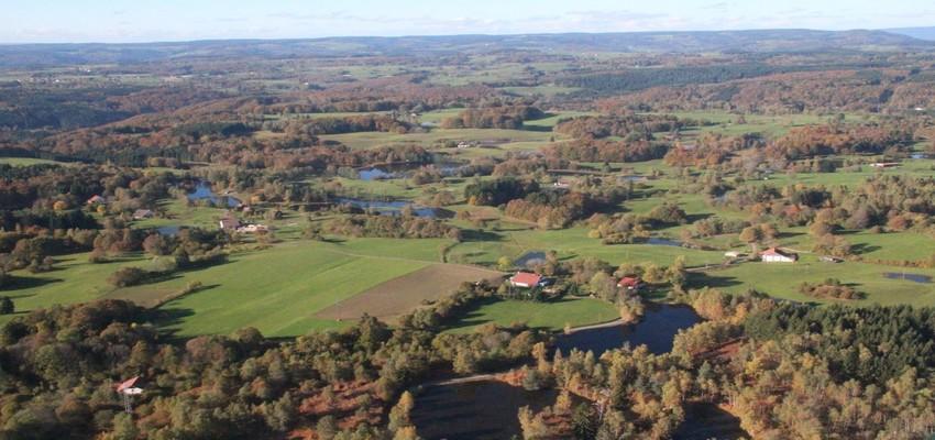 Au fond de la Franche-Comté, en Haute-Saône, le plateau des Mille étangs est un vrai paradis pour les amateurs de randonnées. (Crédit photo andré Degon)