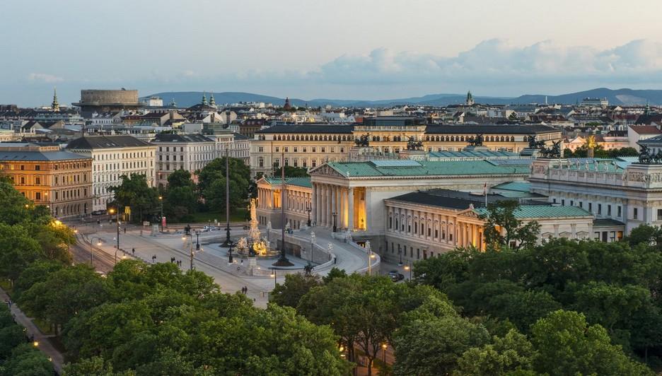 Le long de la Ringstrasse, le Parlement viennois (Copyright : Wien Tourismus/Christian Stemper)