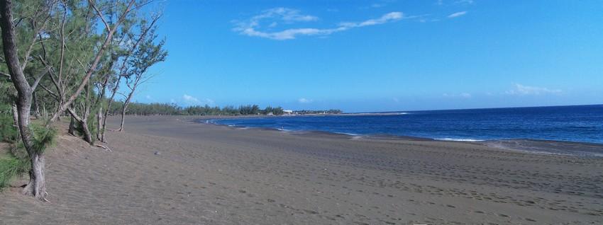 Dans le décor magnifique de la plage de l'Etang Salé  les festivités du 20 décembre, qui célèbrent l'abolition de l'esclavage, le festival Liberté Métisse met à l'honneur ce métissage qui fait la fierté de l'île. (Crédit photo DR)