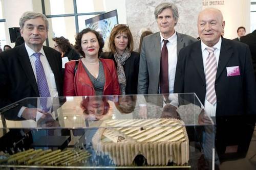 Présentation de la maquette du Pavillon France qui est en train d'être construit pour l'Expo Milano 2015, en présence de Stephane LeFoll, ministre de l'Agriculture, Alain Berger ,commissaire de l'Expo et  des architectes du projet. (Crédit photo DR)