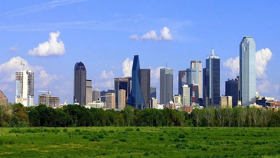 Classée troisième meilleure destination loisirs des Etats-Unis après New York et Los Angeles, Dallas possède aujourd'hui le plus grand quartier américain dédié aux arts avec plus de 160 musées entre parcs verdoyants et rues trendy.(Crédit photo Dallas Texas Skyline - Andréas Praefake)
